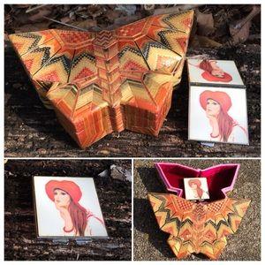 Gorgeous Vintage Straw Jewelry Box & Pocket Mirror
